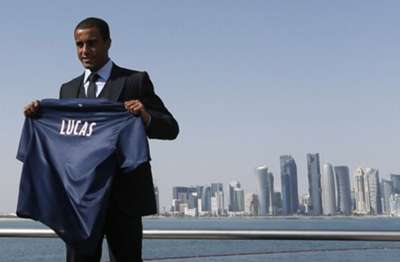 New PSG signing Lucas Moura presented at Doha