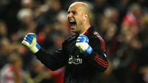 Pepe Reina Liverpool Real Madrid Champions League 2009