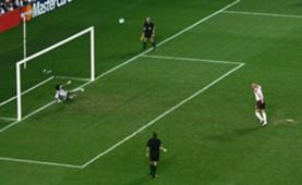 David Beckham - Portugal v England - Euro 2004
