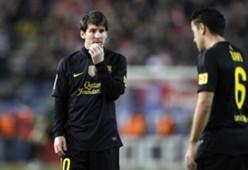 atletico madrid vs barcelona , messi , xavi