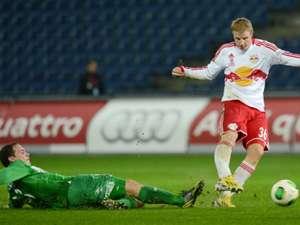 Martin Hinteregger  Patrick Buerger FC Red Bull Salzburg  SV Mattersburg   tipp3  15122012