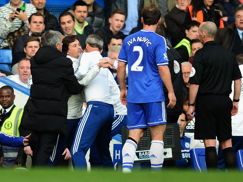Rui Faria prova ad aggredire l'arbitro