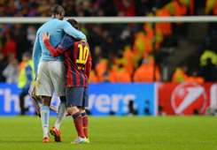 Yaya Toure Manchester City Lionel Messi Barcelona Champions League 02182014