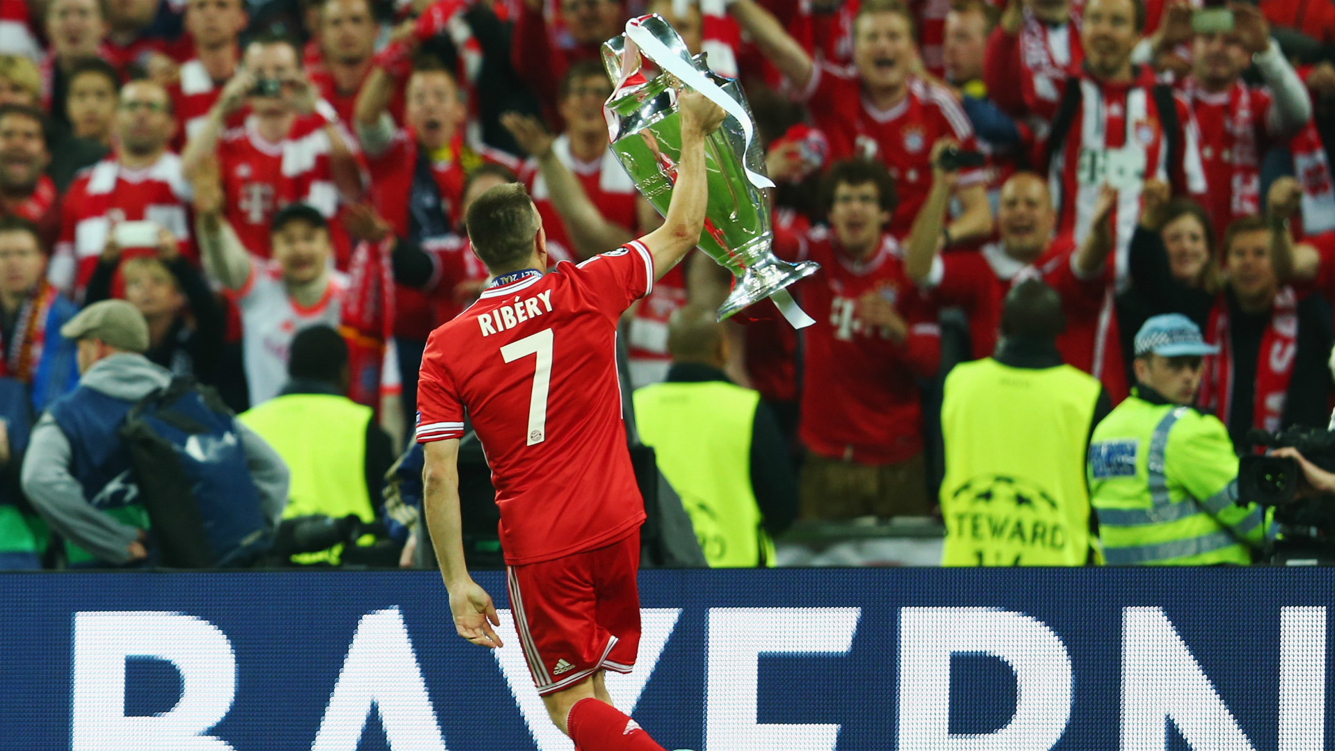 Franck Ribery Champions League trophy 25052013