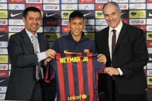 Josep Maria Bartomeu at Neymar's presentation