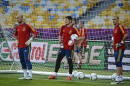 Víctor Valdés, Pepe Reina, Iker Casillas - Spain