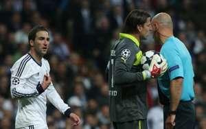 Gonzalo Higuaín, Howard Webb, Roman Weidenfeller | Real Madrid v Borussia Dortmund | UCL