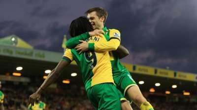 HDP Jonny Howson Dieumerci Mbokani Norwich City Premier League 07112015