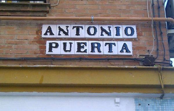 Calle en homenaje a Antonio Puerta