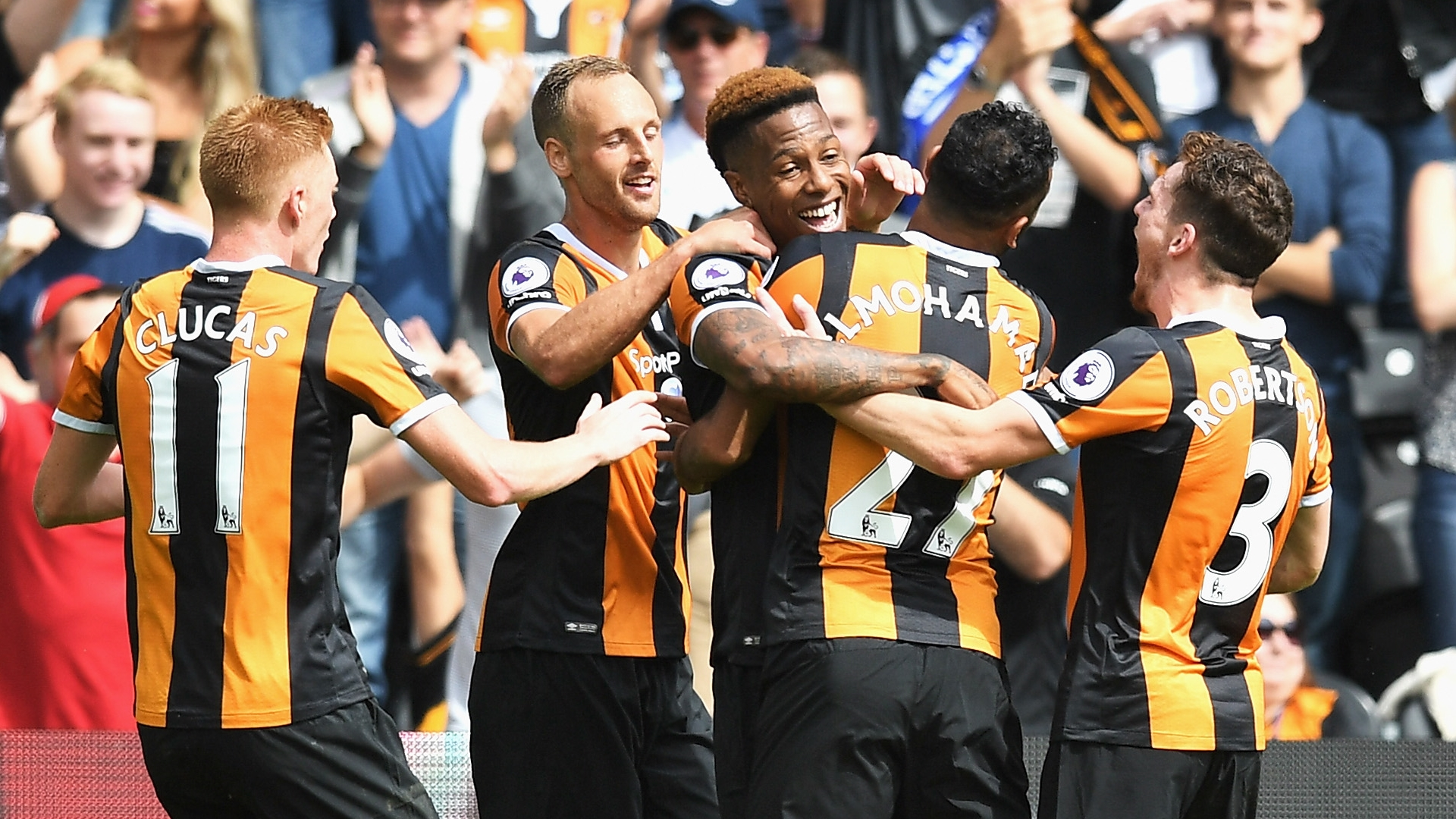 Hull City celebrate vs Leicester