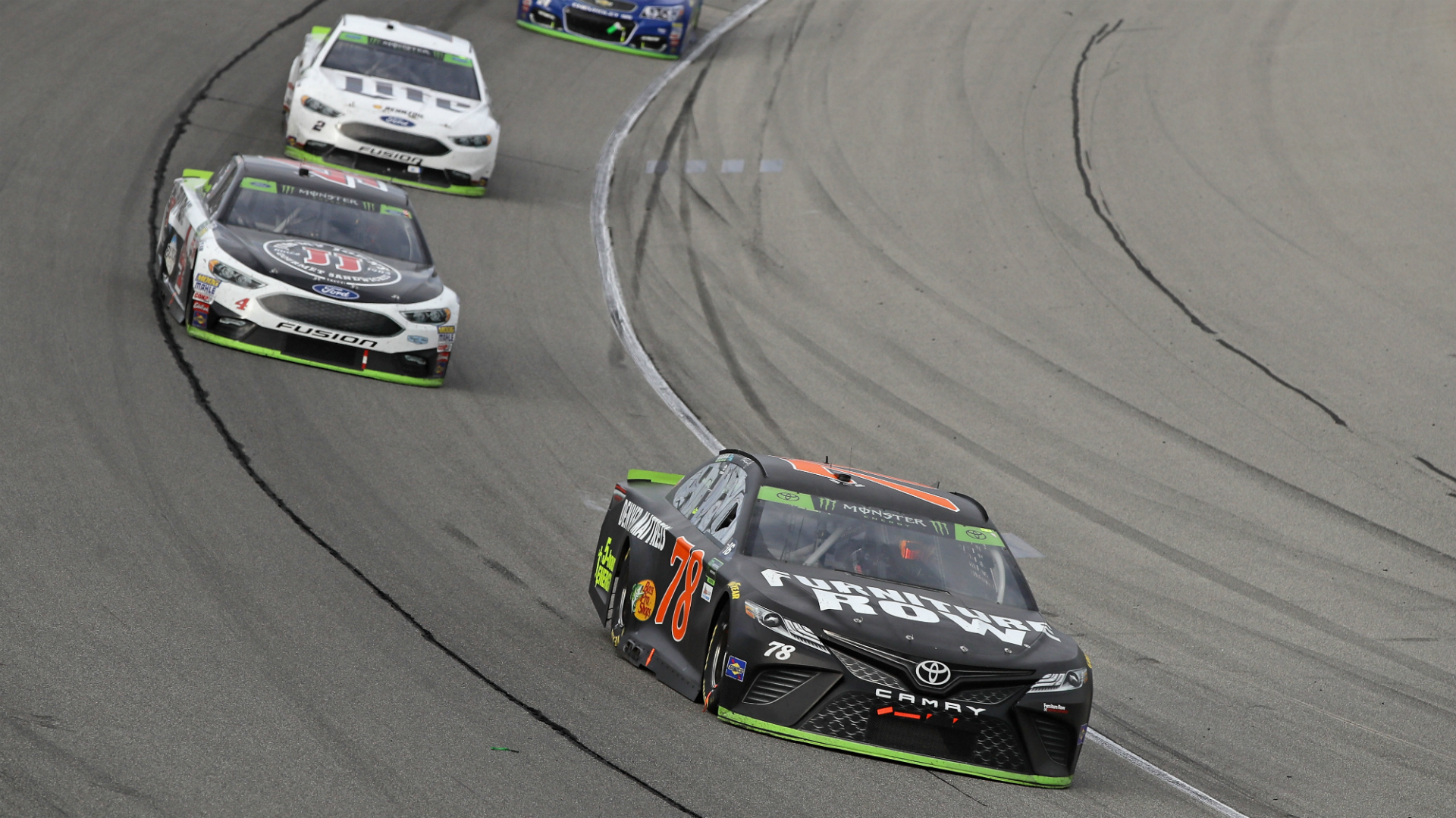 NASCAR at Charlotte: Odds, stats, prediction, sleepers, fantasy drivers for Bank of America 500