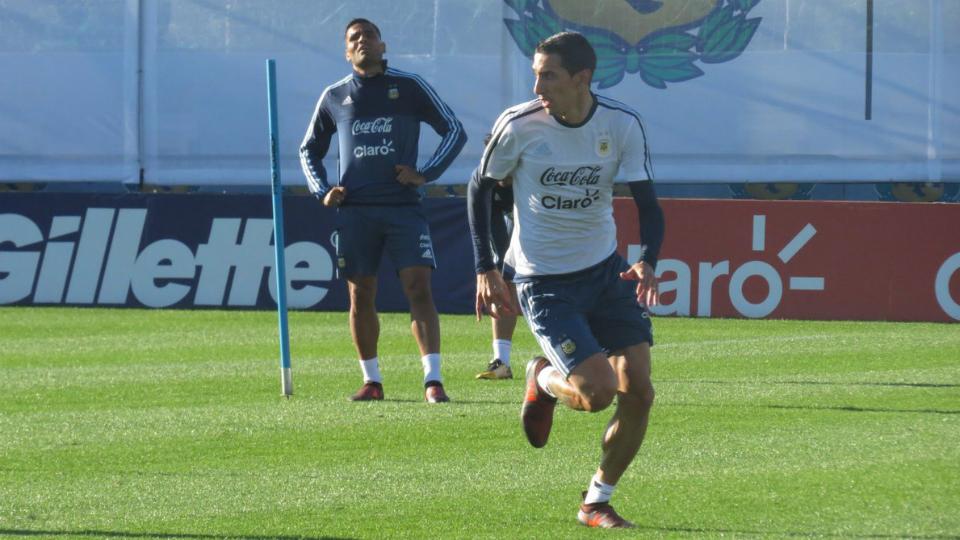 Messi llegará el martes a Argentina para decisivo duelo con Perú