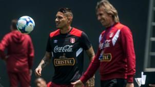 Ricardo Gareca, Paolo Guerrero Perú 02102017