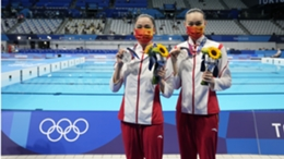 Huang Xuechen and Sun Wenyan picked up silver for China on a quiet day 12