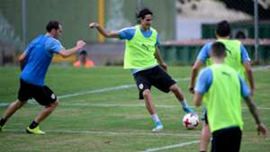 Edinson Cavani Uruguay training session 02102017