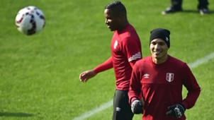 Jefferson Farfan Paolo Guerrero Peru training session in Temuco 21062015