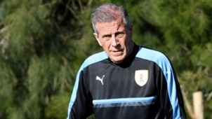 Oscar Tabarez Uruguay training session 07102017
