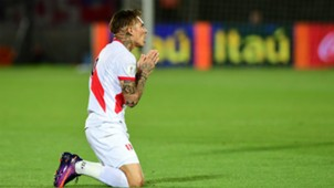 Paolo Guerrero Chile v Peru WC qualifying south america 11102016