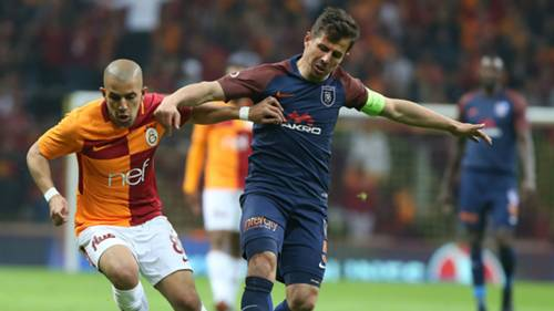 Galatasaray Basaksehir Feghouli Emre Belozoglu