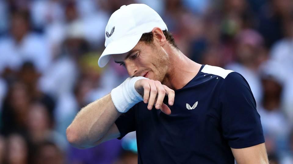 Andy Murray undergoes hip-resurfacing surgery