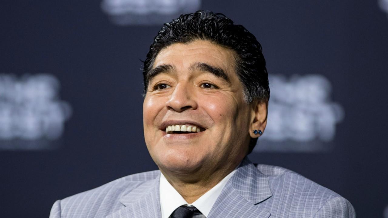 Diego Maradona takes charge at Al Fujairah