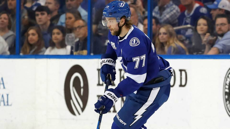 Lightning All-Star Victor Hedman leaves with 'decrease body damage'