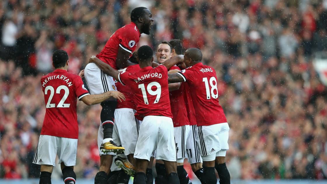 BPL Report: Manchester United 4 Everton 0 - Lukaku inspires late surge to pile pressure on Koeman