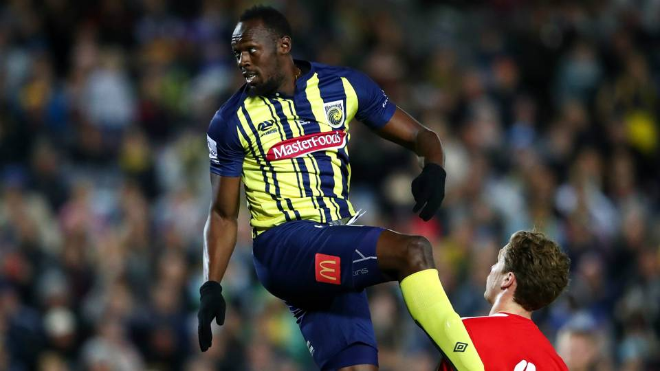 Usain Bolt enjoys lively first pro soccer appearance in Australia