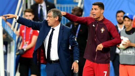 Fernando Santos and Cristiano Ronaldo - cropped