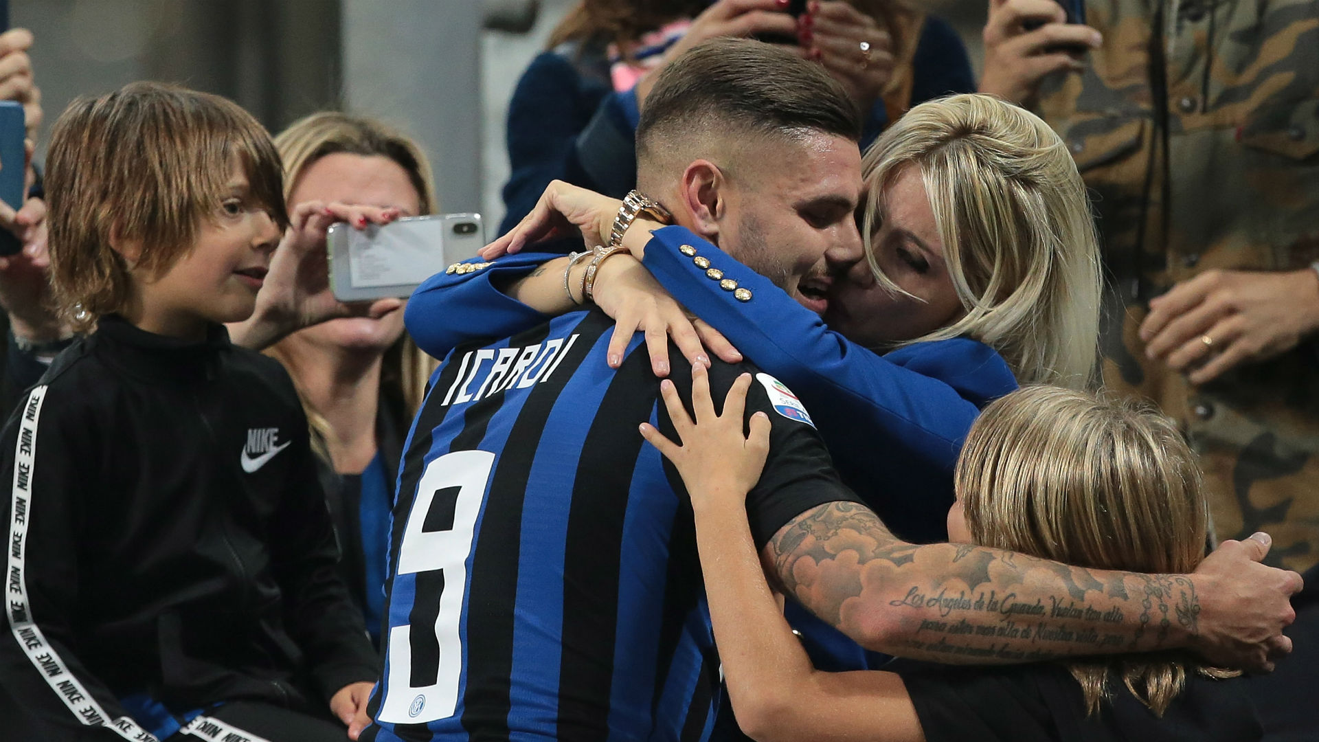 Icardi's agent and wife suffer attack on car