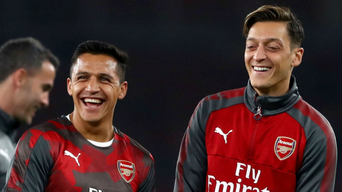 https://images.performgroup.com/di/library/omnisport/20/d6/alexis-sanchez-mesut-ozil-cropped_sbmqnugyqqhe1a6fr9w9edndk.jpg?t=776358279&quality=90&h=630