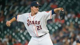 Houston Astros starting pitcher Zack Greinke (21) throws a pitch during the baseball game between the Arizona Diamondbacks and Houston Astros