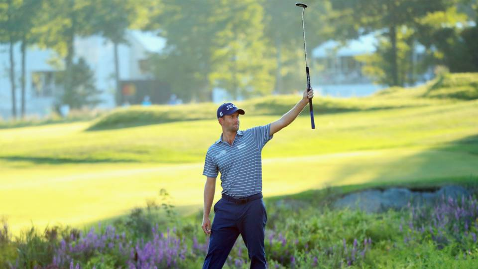 Dell Technologies Championship: Webb Simpson grabs lead with late eagle and 63 at TPC Boston