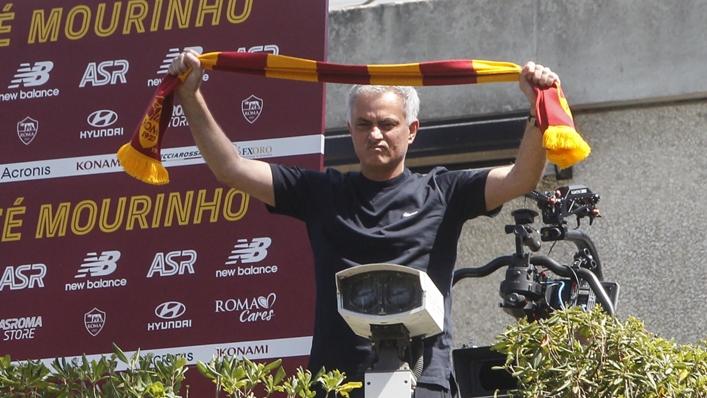 Jose Mourinho meets the Roma fans