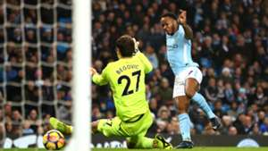 Howe 'inspired' by thought of stopping Man City and Sterling