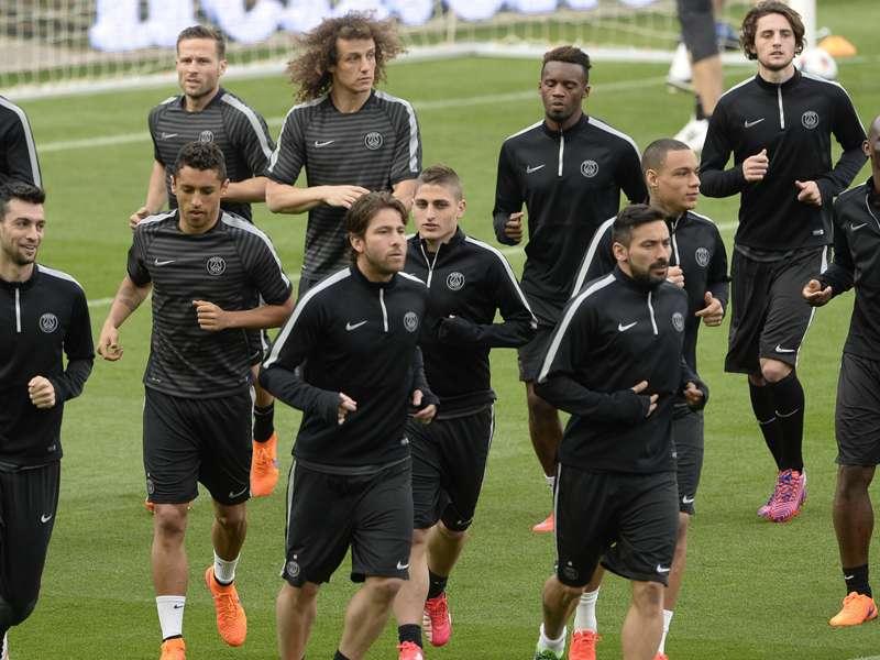 Zidane backs PSG to upset Barca