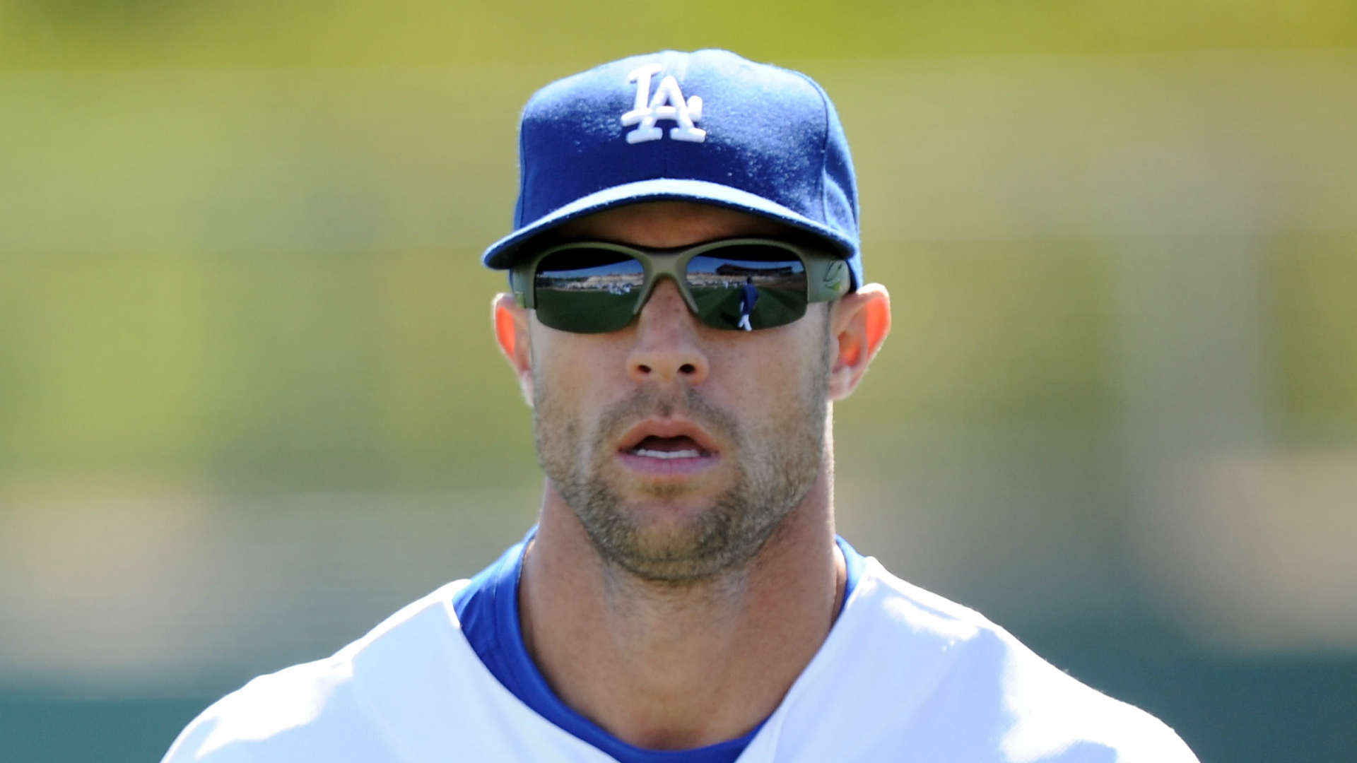 Phillies hire Dodgers executive Gabe Kapler as next manager