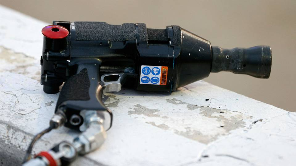 NASCAR-issued pit guns cause problems for several teams at Atlanta