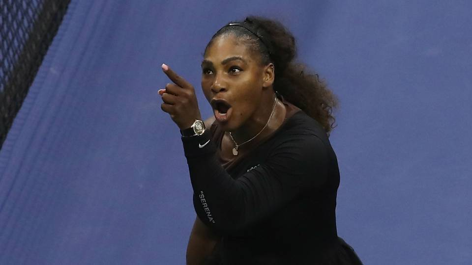 "Stephen Curry: Serena Williams acted with ""grace and class"" in U.S. Open final"