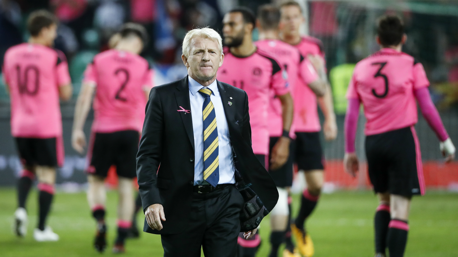 Late own goal keeps Scotland on course for Russian Federation