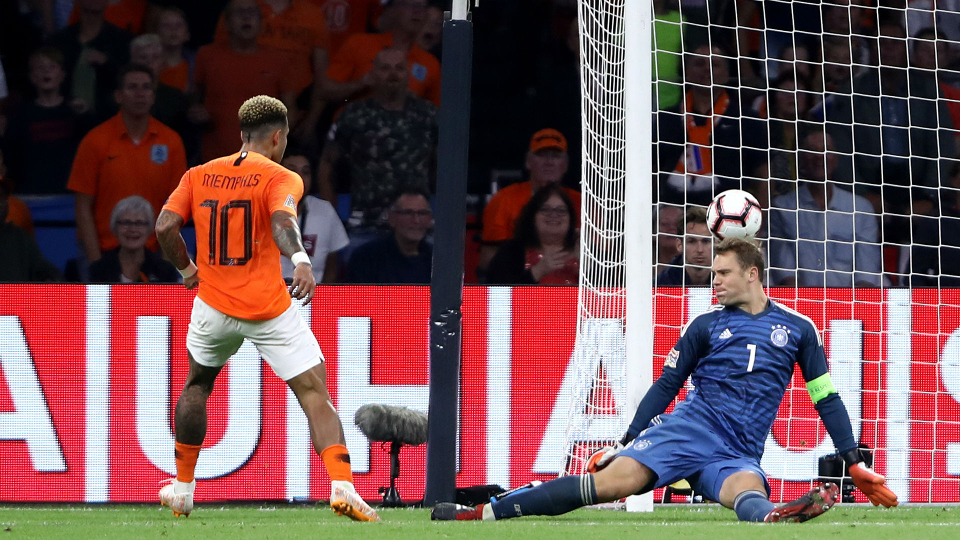 Depay shines as Netherlands thump Germany