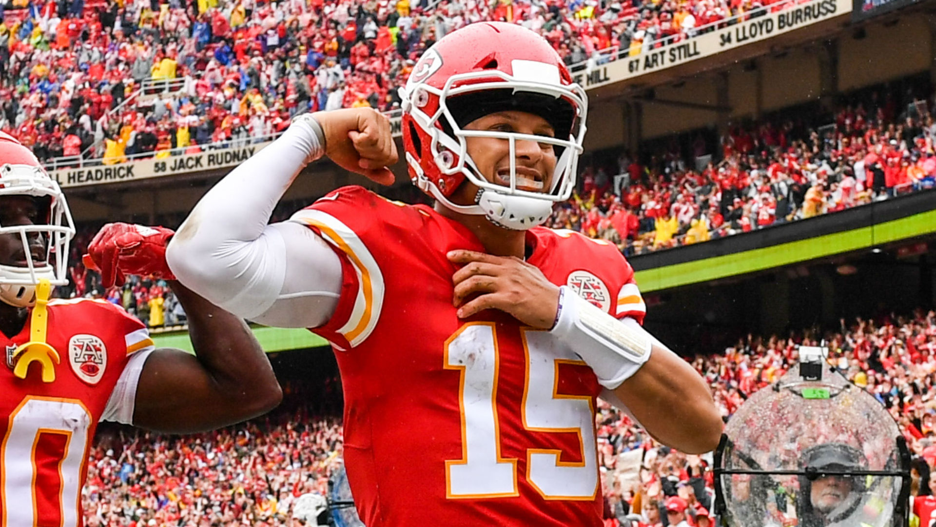 854d748d9c1 Mahomes confident he'd win throwing contest with Allen | Sporting News
