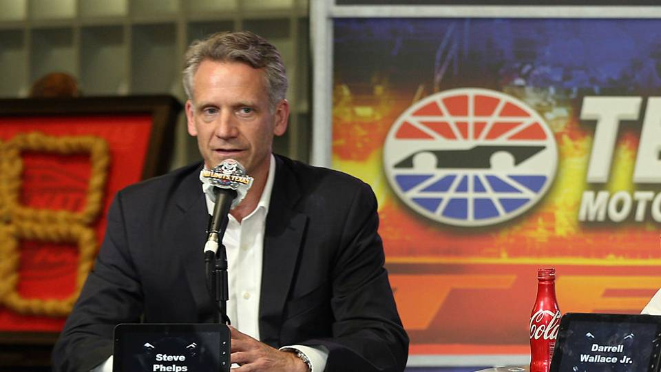 NASCAR names Steve Phelps as new president