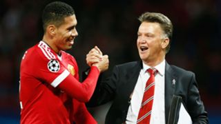 Louis van Gaal Chris Smalling - cropped