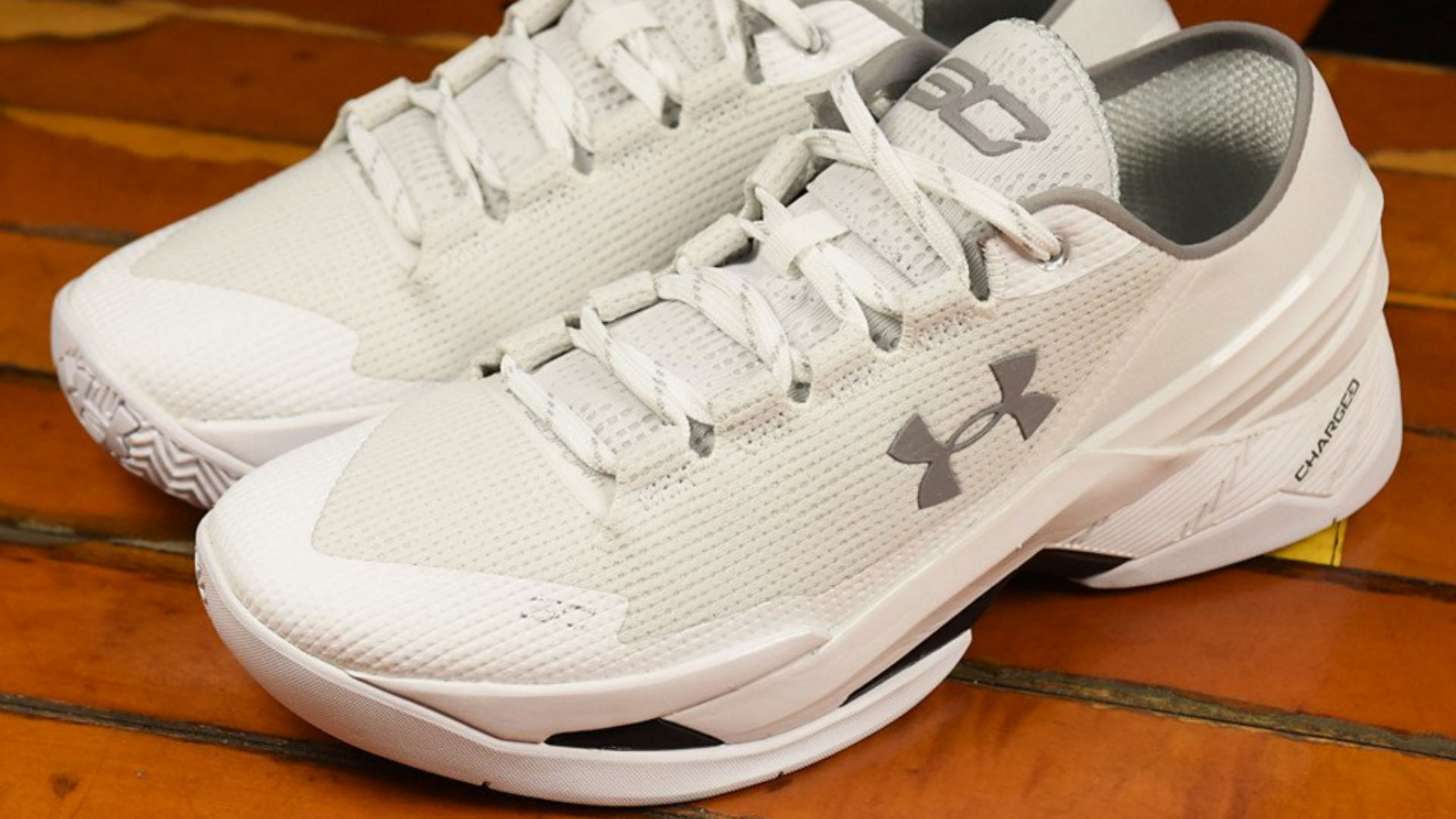 281507bf84b7 Stephen Curry s new sneakers get roasted for their  dad appeal ...