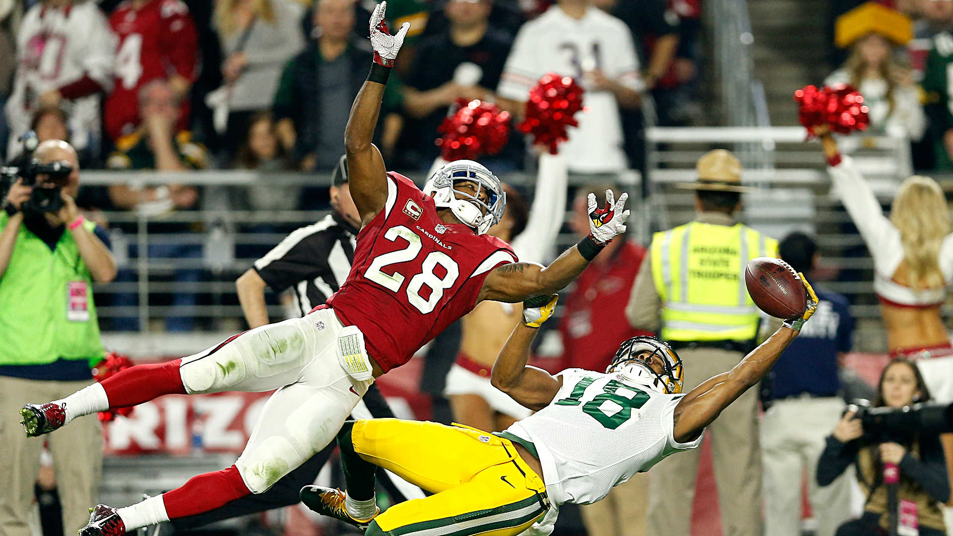 Packers lose Randall Cobb, Micah Hyde, trail Cardinals at