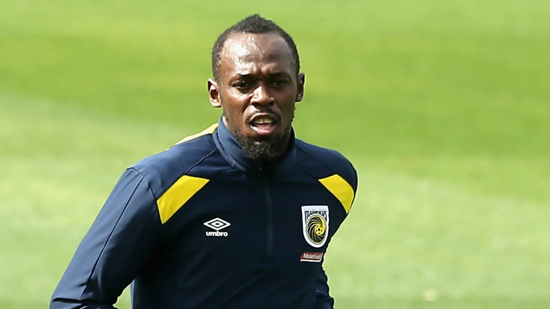 Usain Bolt makes professional football debut with Central Coast Mariners cameo