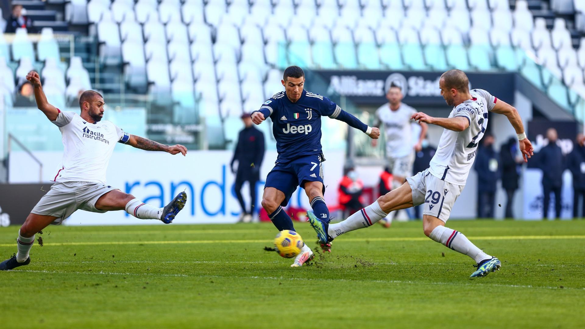 Cristiano Ronaldo shoots in Juventus' win over Bologna