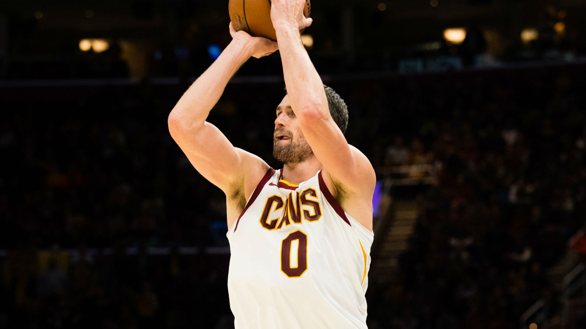 Kevin Love reportedly out 6 to 8 weeks with broken hand