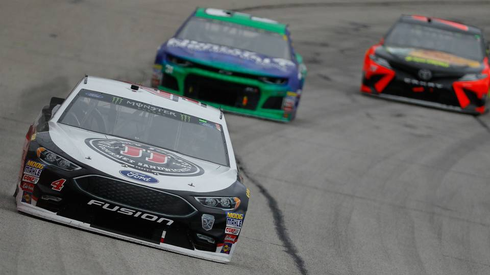 Kevin Harvick's crew chief fined for violation in Atlanta race